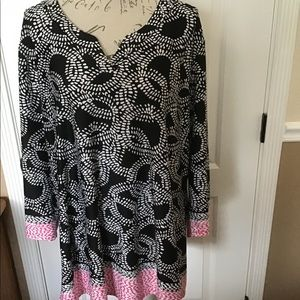 3X Kim Woman Patterned Tunic with Pink accent hem